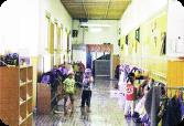 広い廊下 北明やまざと幼稚園